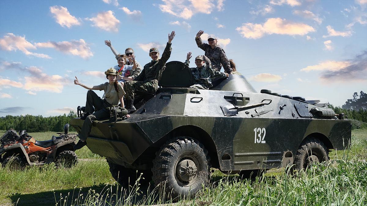 Катание и вождение военной техники: БРДМ